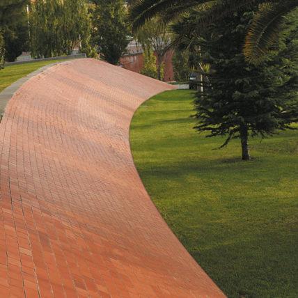 Adoquín Eco Klinker Brick Barcelona - NUEVOS CAMINOS EN URBANISMO - DEMO 1